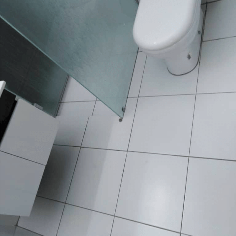 Nano-G's professional team ensures the bathroom is 100% waterproof while looking cleaner and newer without changing the outlook of the original tiles.
